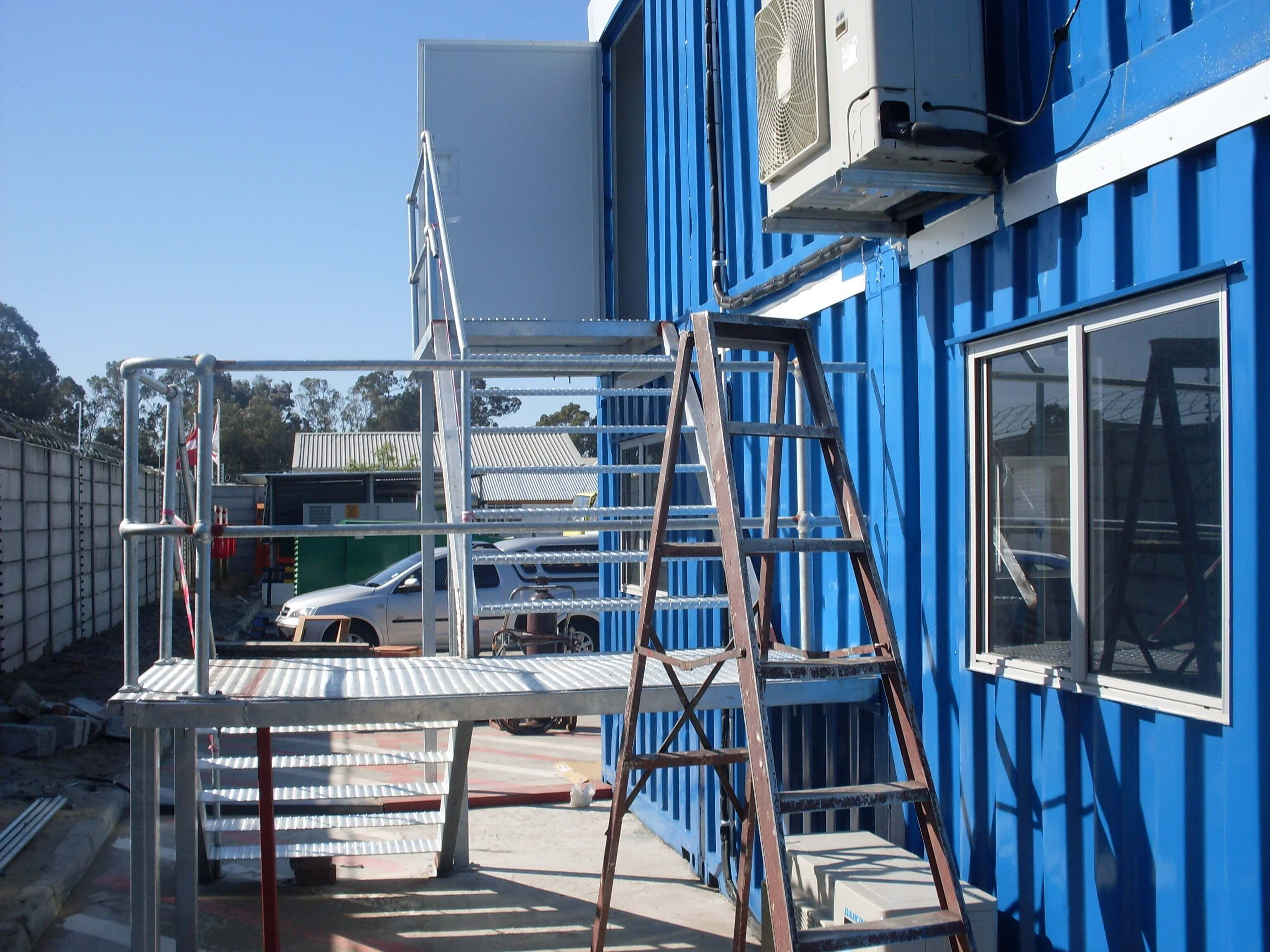 Blue Container With Outdoor Air Conditioner   Container Rental & Sales